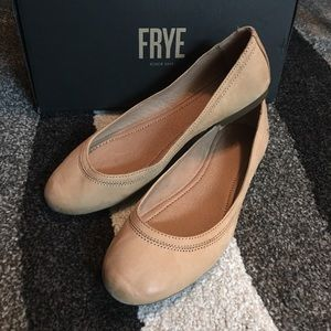 Frye Sand Carrie Leather Ballet Flats
